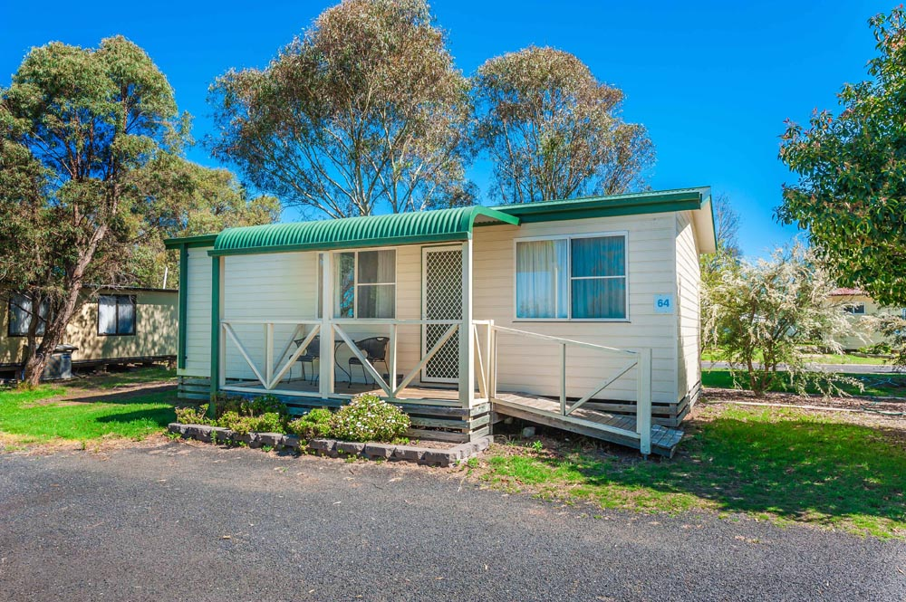 Country Road Caravan Park